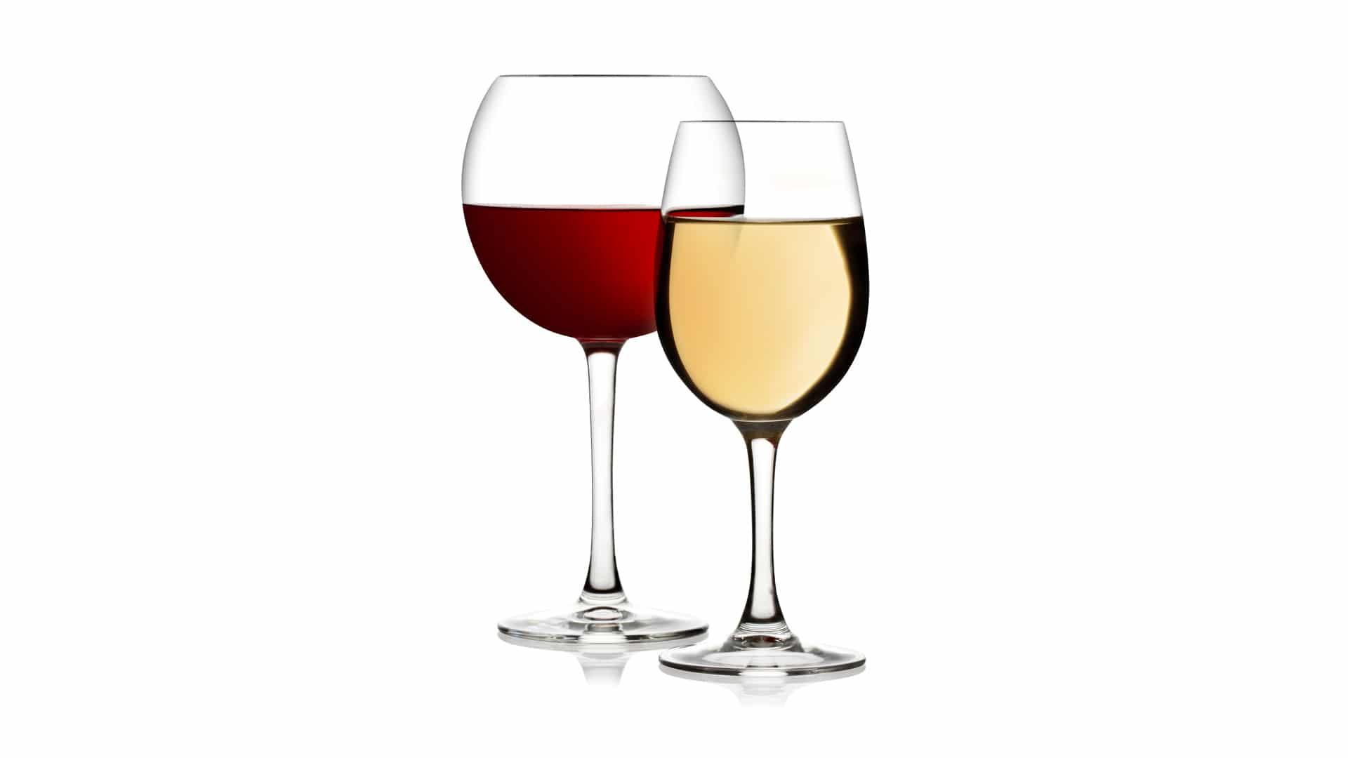 Bicchieri di vino rosso e bianco